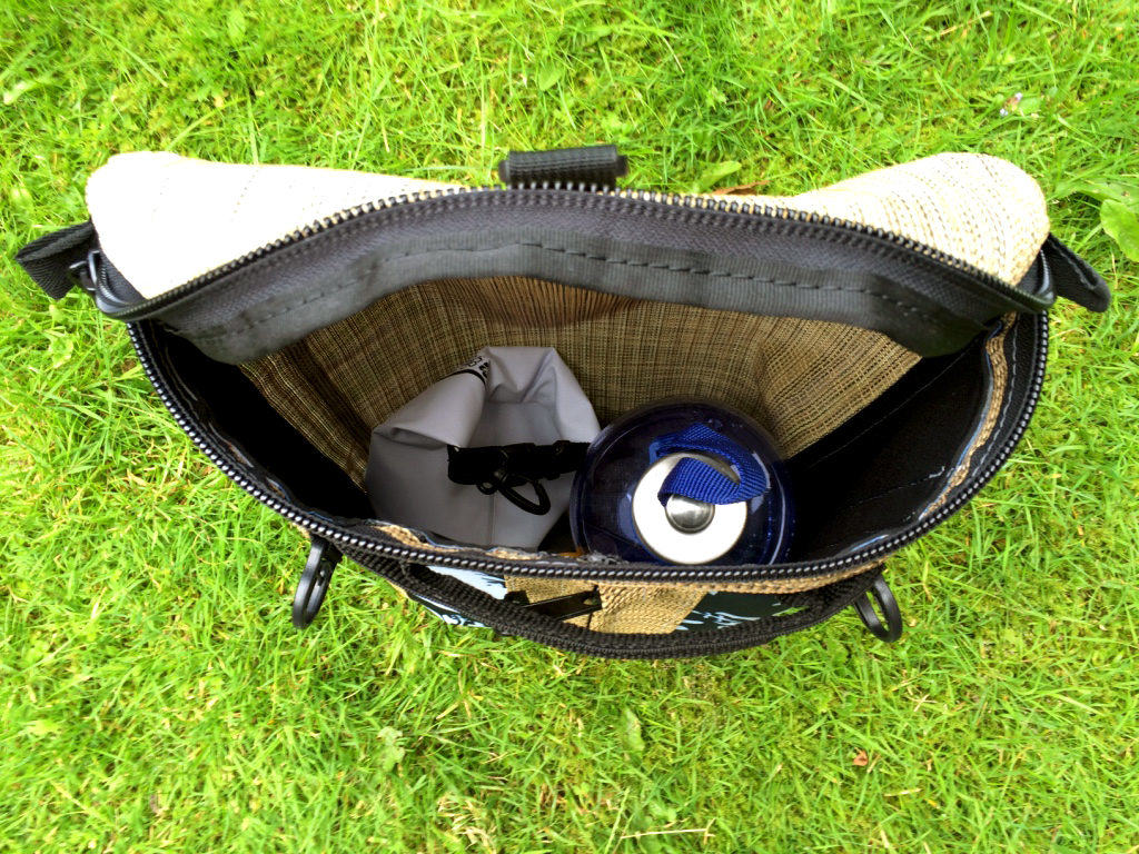 How much can you fit in a deckbag