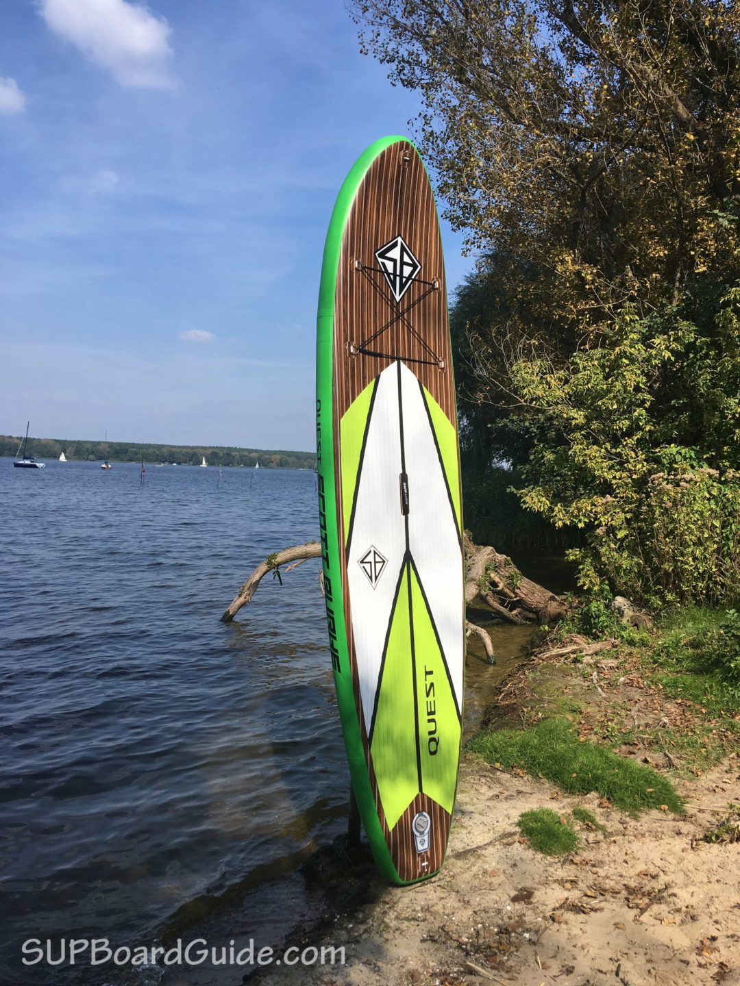 Green SUP with wood