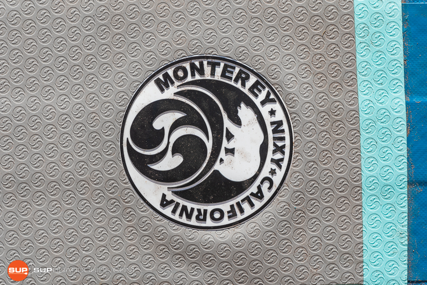 Nixy Manhattan Touring Board Review Emblem